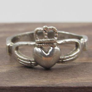 Jewelry - Size 6.75 Sterling Silver Tarnished Claddagh Band
